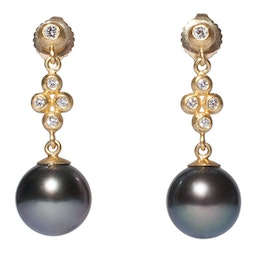 Tahitian Pearl Earrings by Tomi