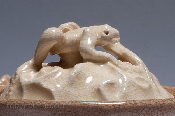 Teapot with Frog Lid (with box) by Otagaki Rengetsu (Japanese Functional Object)