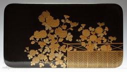 Chrysanthemum Lacquer Box