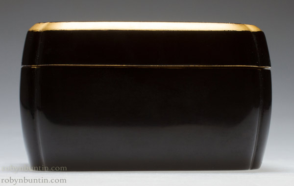 Loaf Shaped Lacquer Box(Japanese Lacquer)
