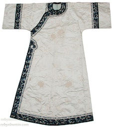 Vintage White & Blue Chinese Robe