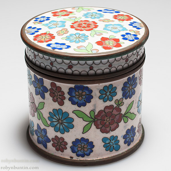 Round Floral Cloisonne Box(Chinese Functional Object)