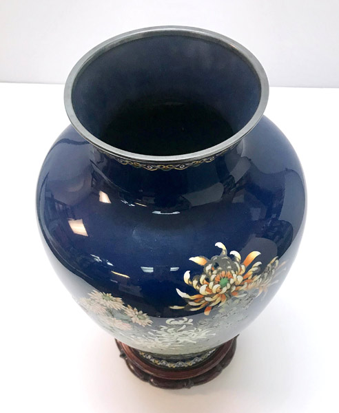 Cloisonne Chrysanthemum Vase (with box and stand) by Ando Jubei Company(Japanese Functional Object)