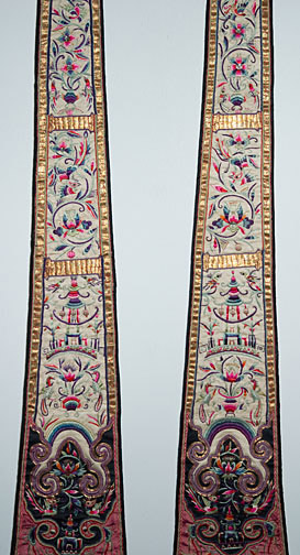 Pair of Chinese Embroidered Hangings(Chinese Textile)