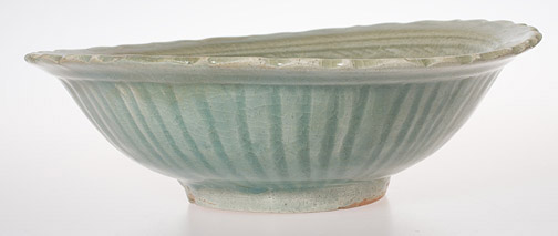 Sawankalok Celadon Bowl with Fluted Lip(Southeast Asian Functional Object)