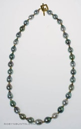 Tahitian Pearl Necklace by Tomi